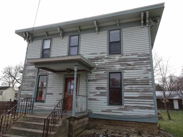 317 W Main St, Stoughton, WI 53589 (#1846828) :: HomeTeam4u