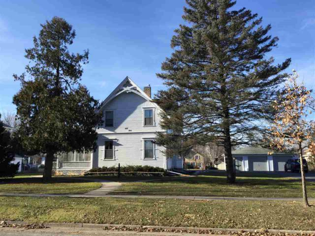 410-412 Jones Ave, Fort Atkinson, WI 53538 (#1847032) :: HomeTeam4u