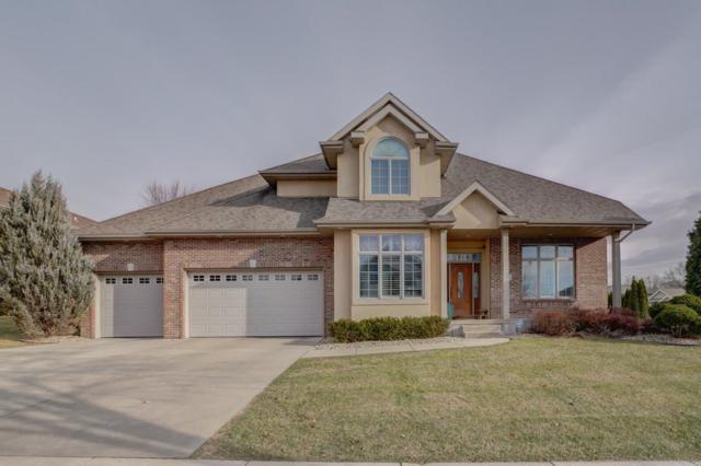 2582 Oak View Ct, Fitchburg, WI 53711 (#1847212) :: Nicole Charles & Associates, Inc.