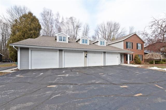 2522 Cross Creek Dr, Sheboygan, WI 53081 (#1848433) :: HomeTeam4u