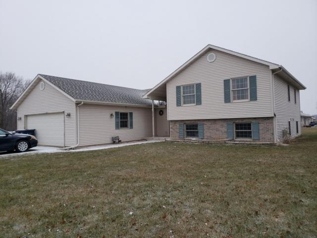 2748 Omaha Dr, Janesville, WI 53546 (#1848650) :: Nicole Charles & Associates, Inc.
