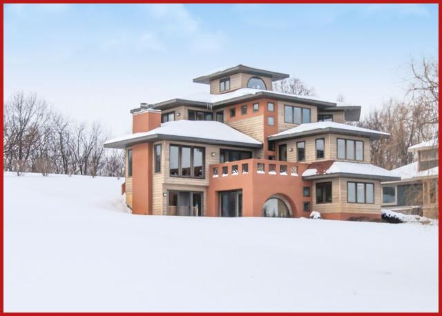 N6385 Cedar Ln, Lake Mills, WI 53551 (#1848939) :: HomeTeam4u