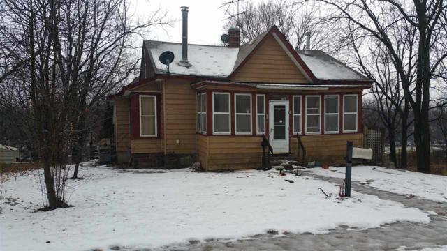 605 2nd Ave, Baraboo, WI 53913 (#1849789) :: Nicole Charles & Associates, Inc.