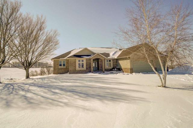 9846 County Road A, Perry, WI 53572 (#1849951) :: HomeTeam4u