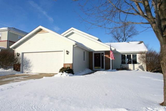 2645 Castle Rock Dr, Fitchburg, WI 53711 (#1850132) :: HomeTeam4u