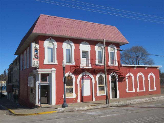 135 Walnut St, Baraboo, WI 53913 (#1851281) :: Nicole Charles & Associates, Inc.