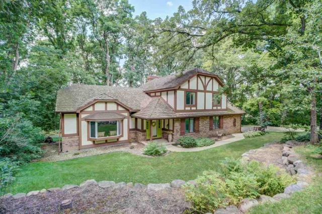 7124 Applewood Dr, Middleton, WI 53719 (#1851933) :: Nicole Charles & Associates, Inc.