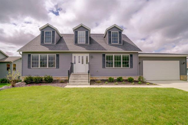 4523 Melwood Ln, Windsor, WI 53598 (#1853243) :: Nicole Charles & Associates, Inc.