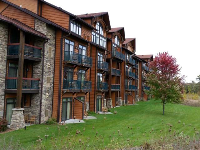 2504 River Rd, Wisconsin Dells, WI 53965 (#1853369) :: Nicole Charles & Associates, Inc.