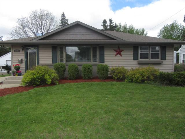 542 S Randall Ave, Janesville, WI 53545 (#1857935) :: HomeTeam4u