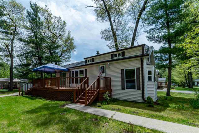 112 Red Oak Dr, Lake Delton, WI 53965 (#1858730) :: Nicole Charles & Associates, Inc.