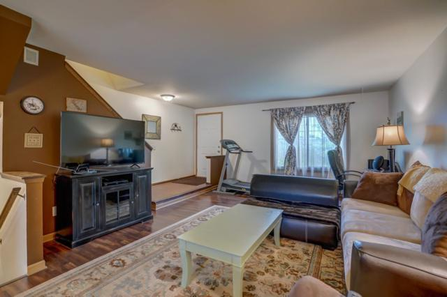 10 Grand Canyon Dr, Madison, WI 53705 (#1860458) :: HomeTeam4u