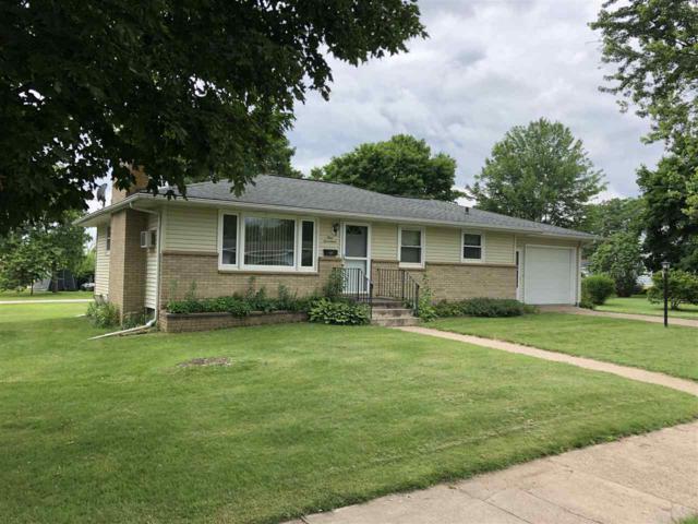 917 S Beaumont, Prairie Du Chien, WI 53821 (#1861036) :: Nicole Charles & Associates, Inc.