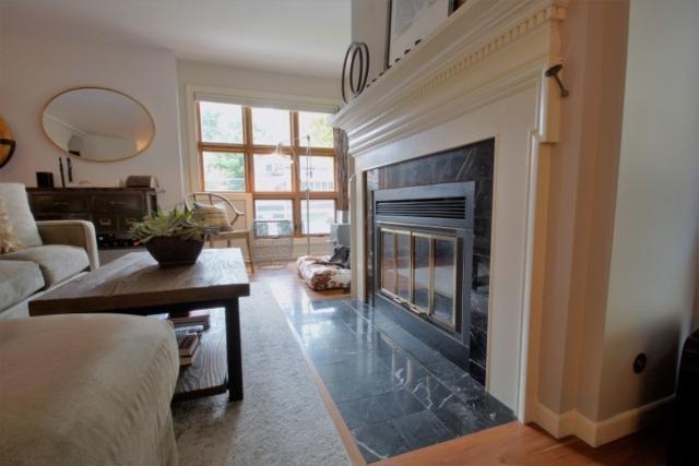 30 E Johnson St, Madison, WI 53703 (#1861623) :: Nicole Charles & Associates, Inc.