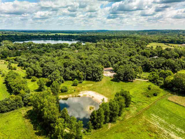 W377S5295 Pretty Lake Rd, Ottawa, WI 53118 (#1862481) :: HomeTeam4u