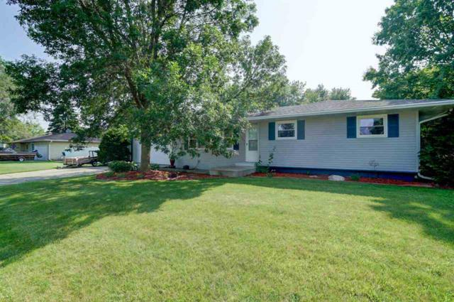 6736 Sunset Meadow Dr, Windsor, WI 53598 (#1862729) :: Nicole Charles & Associates, Inc.