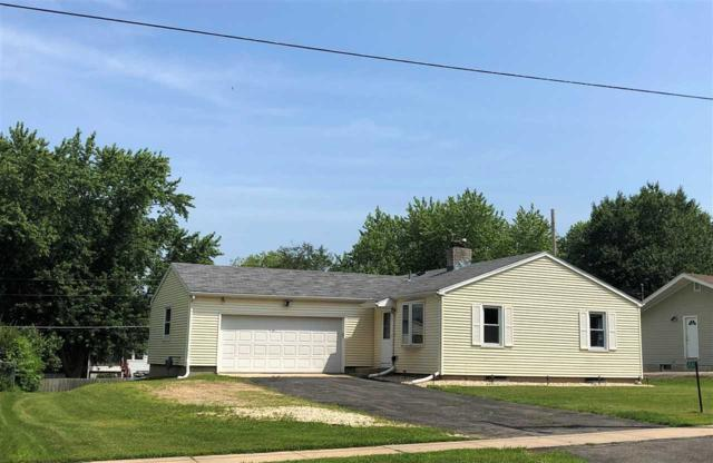 4392 Windsor Rd, Windsor, WI 53598 (#1862946) :: Nicole Charles & Associates, Inc.