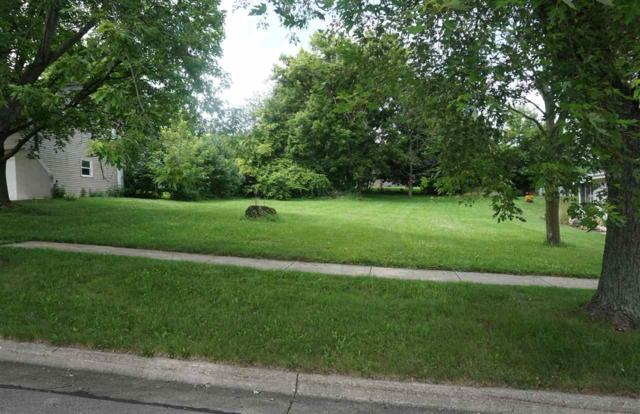 1221 Royal Oaks Dr, Janesville, WI 53548 (#1863123) :: Nicole Charles & Associates, Inc.