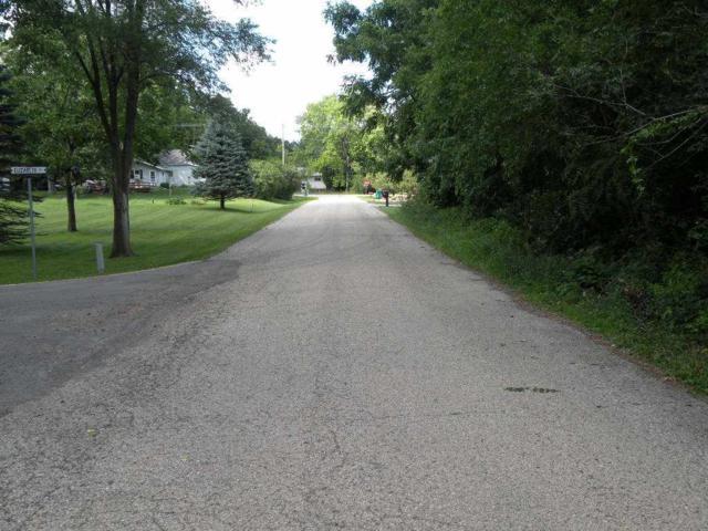 L6 Rex St, Marquette, WI 53946 (#1864513) :: HomeTeam4u