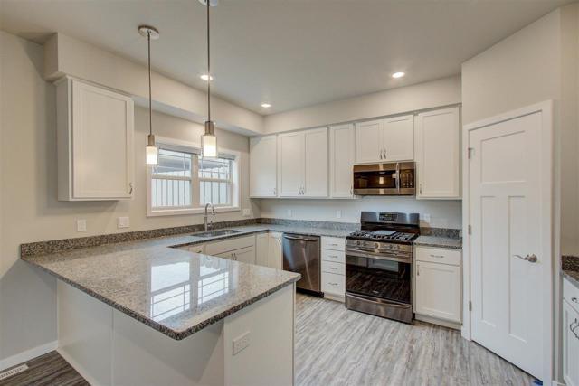 1519 O'keeffe Ave, Sun Prairie, WI 53590 (#1864883) :: Nicole Charles & Associates, Inc.