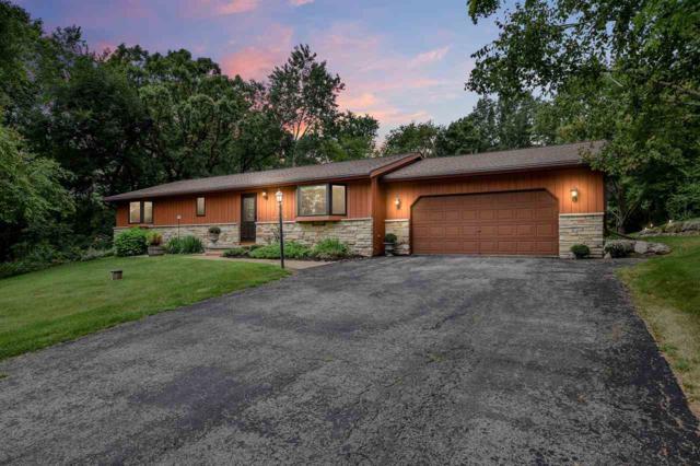 4597 White Oak Cir, Cross Plains, WI 53528 (#1865284) :: HomeTeam4u