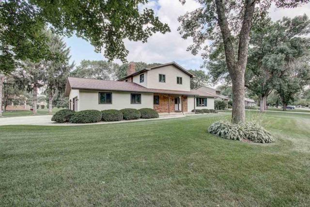 4540 Oak Springs Cir, Windsor, WI 53532 (#1865375) :: Nicole Charles & Associates, Inc.