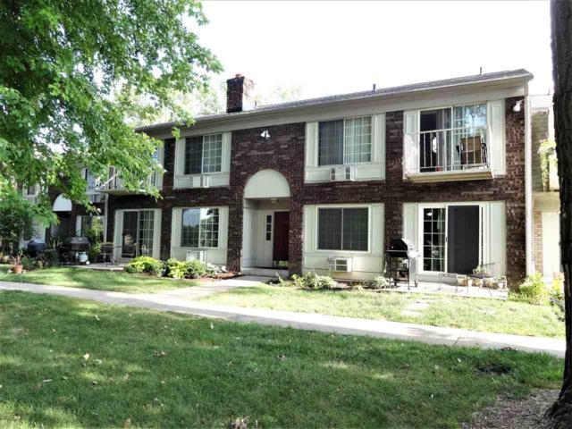 2128 Allen Blvd, Middleton, WI 53562 (#1865427) :: Nicole Charles & Associates, Inc.