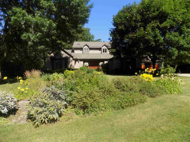 5919 Woods Edge Rd, Fitchburg, WI 53711 (#1865600) :: Nicole Charles & Associates, Inc.