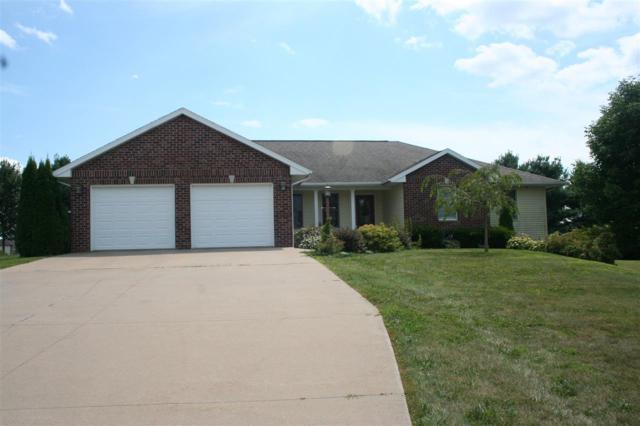1059 Woodland Rd, Platteville, WI 53818 (#1865670) :: HomeTeam4u