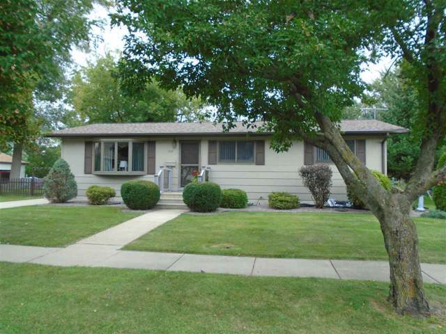 520 Elm St, Mauston, WI 53948 (#1868187) :: HomeTeam4u