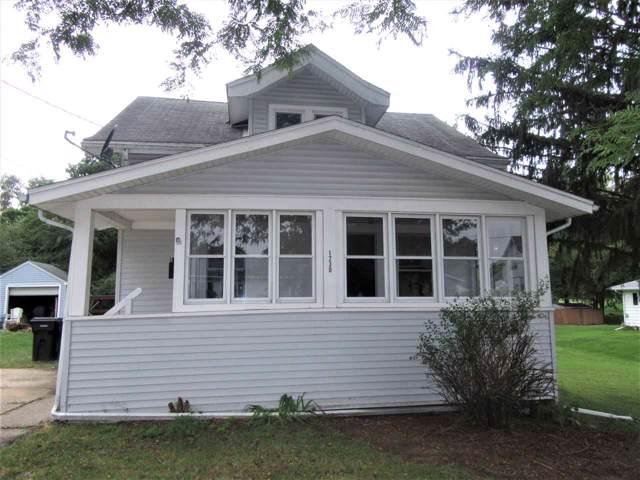1230 Garfield Ave, Beloit, WI 53511 (#1868373) :: HomeTeam4u
