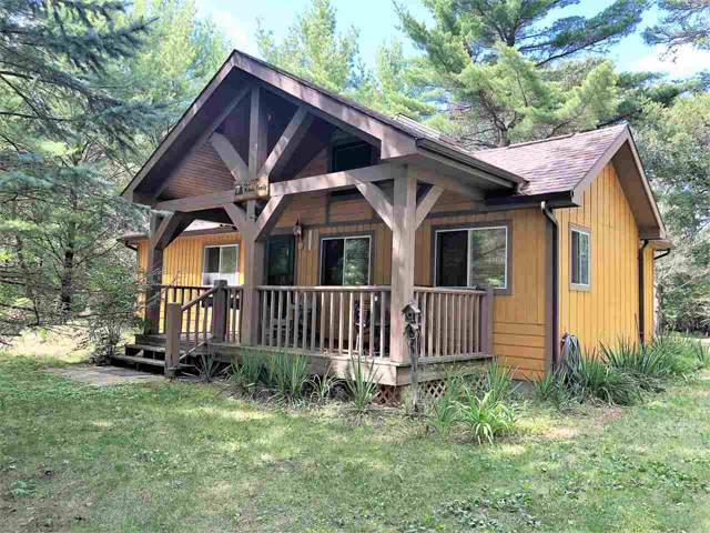 1970 N Cypress Ln, Strongs Prairie, WI 54613 (#1868429) :: HomeTeam4u