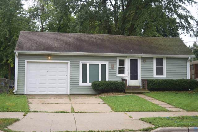 1017 E South St, Stoughton, WI 53589 (#1868455) :: HomeTeam4u