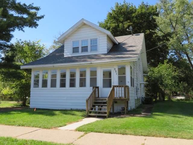 231 N Webb, Reedsburg, WI 53959 (#1868634) :: HomeTeam4u