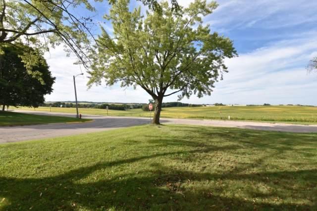 633 W North St, Dodgeville, WI 53533 (#1868675) :: Nicole Charles & Associates, Inc.