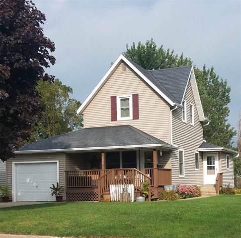 102 N Union St, Cobb, WI 53526 (#1868724) :: HomeTeam4u