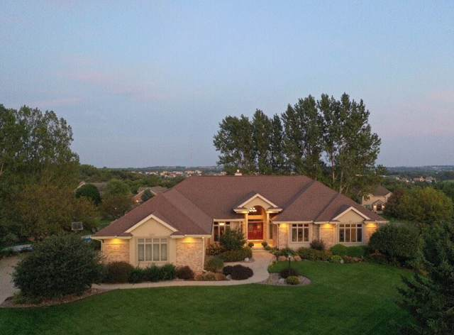 3908 Meridian Cir, Middleton, WI 53593 (#1868811) :: Nicole Charles & Associates, Inc.