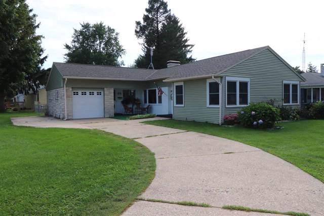 833 N Oakhill Ave, Janesville, WI 53548 (#1868884) :: Nicole Charles & Associates, Inc.