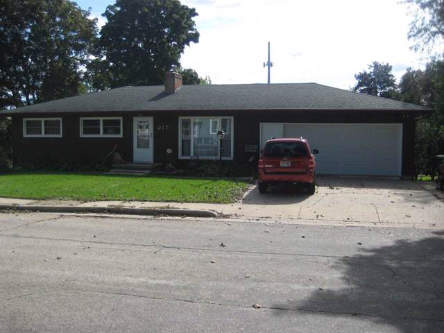 217 Hennie St, Ripon, WI 54971 (#1869400) :: HomeTeam4u