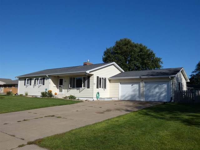 413 W Clay St, Cuba City, WI 53807 (#1869491) :: HomeTeam4u