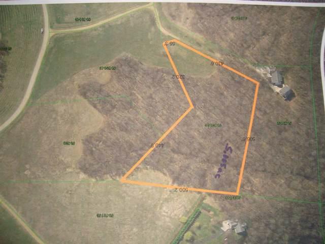 8596 Whispering Bluffs Ln, Waterloo, WI 53806 (#1869922) :: Nicole Charles & Associates, Inc.