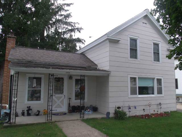 323 S Howard St, Princeton, WI 54968 (#1870016) :: HomeTeam4u