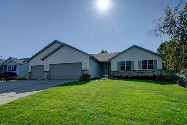2359 Mccoomsky Ln, Sun Prairie, WI 53590 (#1870054) :: HomeTeam4u