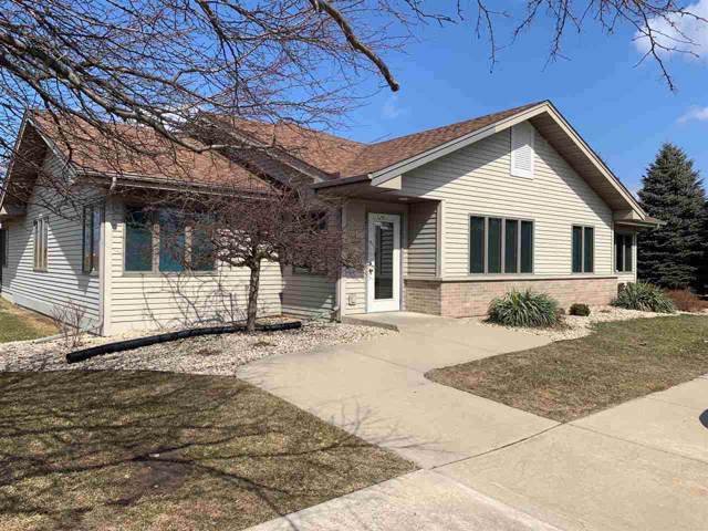 520 Business Park Cir, Stoughton, WI 53589 (#1870060) :: HomeTeam4u