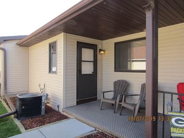 550 N Douglas St, Ripon, WI 54971 (#1870110) :: HomeTeam4u