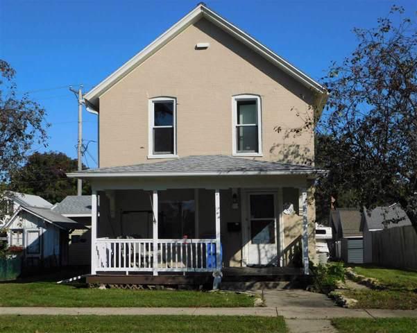 709 W Edgewater St, Portage, WI 53901 (#1870205) :: HomeTeam4u
