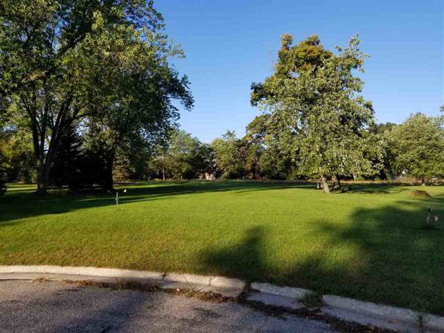 120 Lake Rd, Portage, WI 53901 (#1870254) :: HomeTeam4u