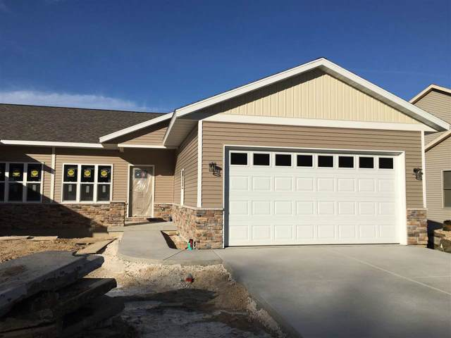 718 Forest Edge Dr, Mazomanie, WI 53560 (#1870421) :: Nicole Charles & Associates, Inc.