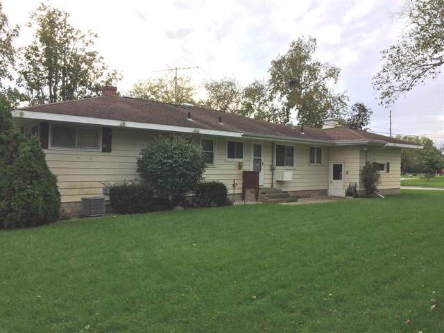 790 Center St, Prairie Du Sac, WI 53578 (#1870481) :: HomeTeam4u