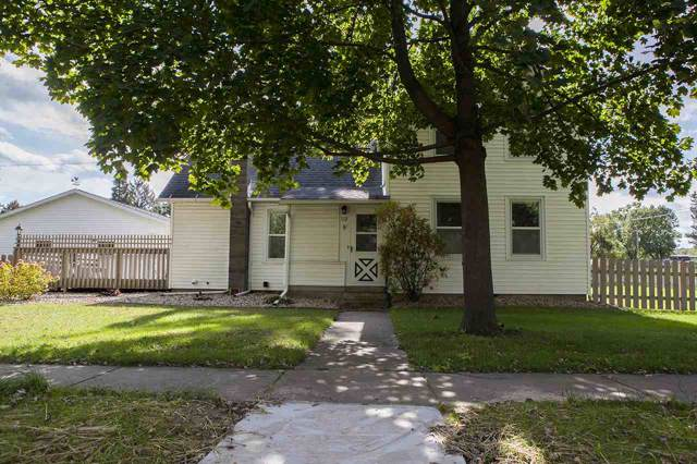 113 W High St, Mazomanie, WI 53560 (#1870622) :: Nicole Charles & Associates, Inc.